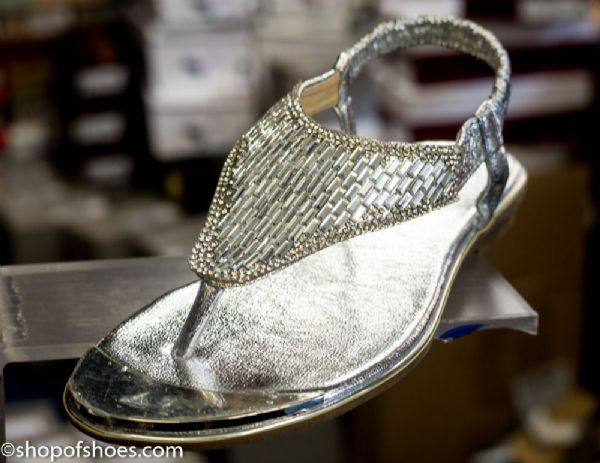 Fun comfortable beautifully sparkly elastic silver sandal